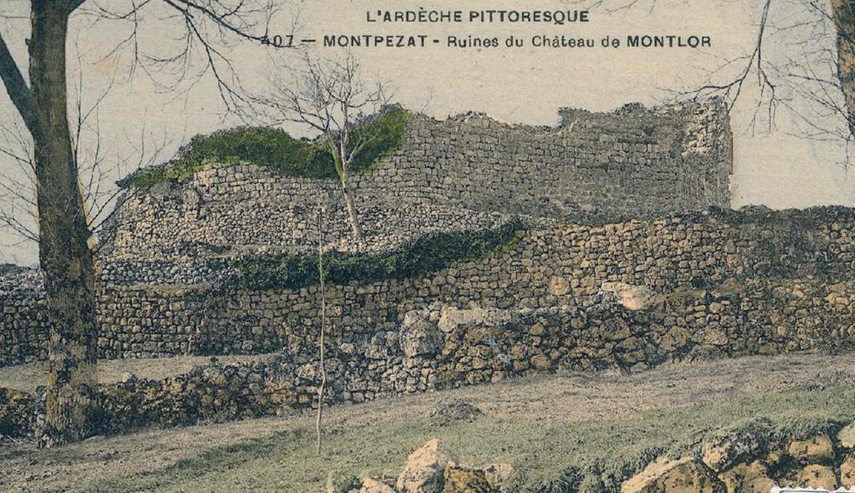 Ancienne carte postale des ruines du Château de Montlaur ©mairiemontpezatsousbauzon